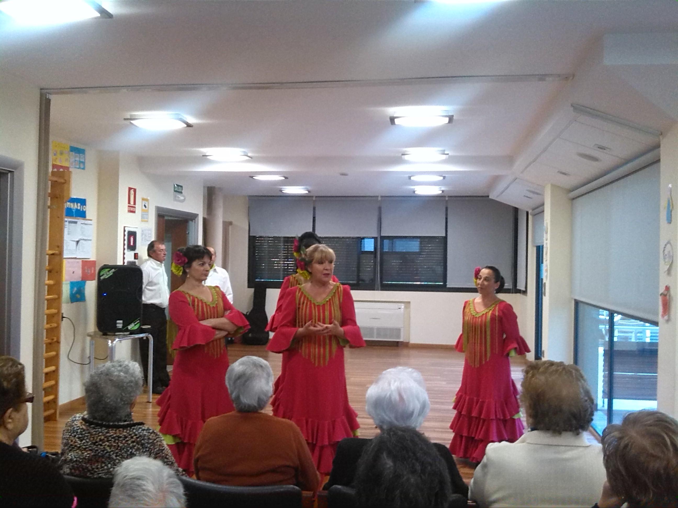 Visita de la asociaci n andaluza de l 39 eliana centro de dia - Biblioteca l eliana ...